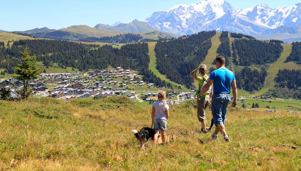 Les Saisie un panorama à 360° sur le Mont-Blanc