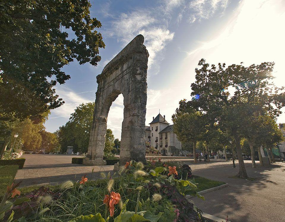 Aix-les-Bains - Arc de Campanus