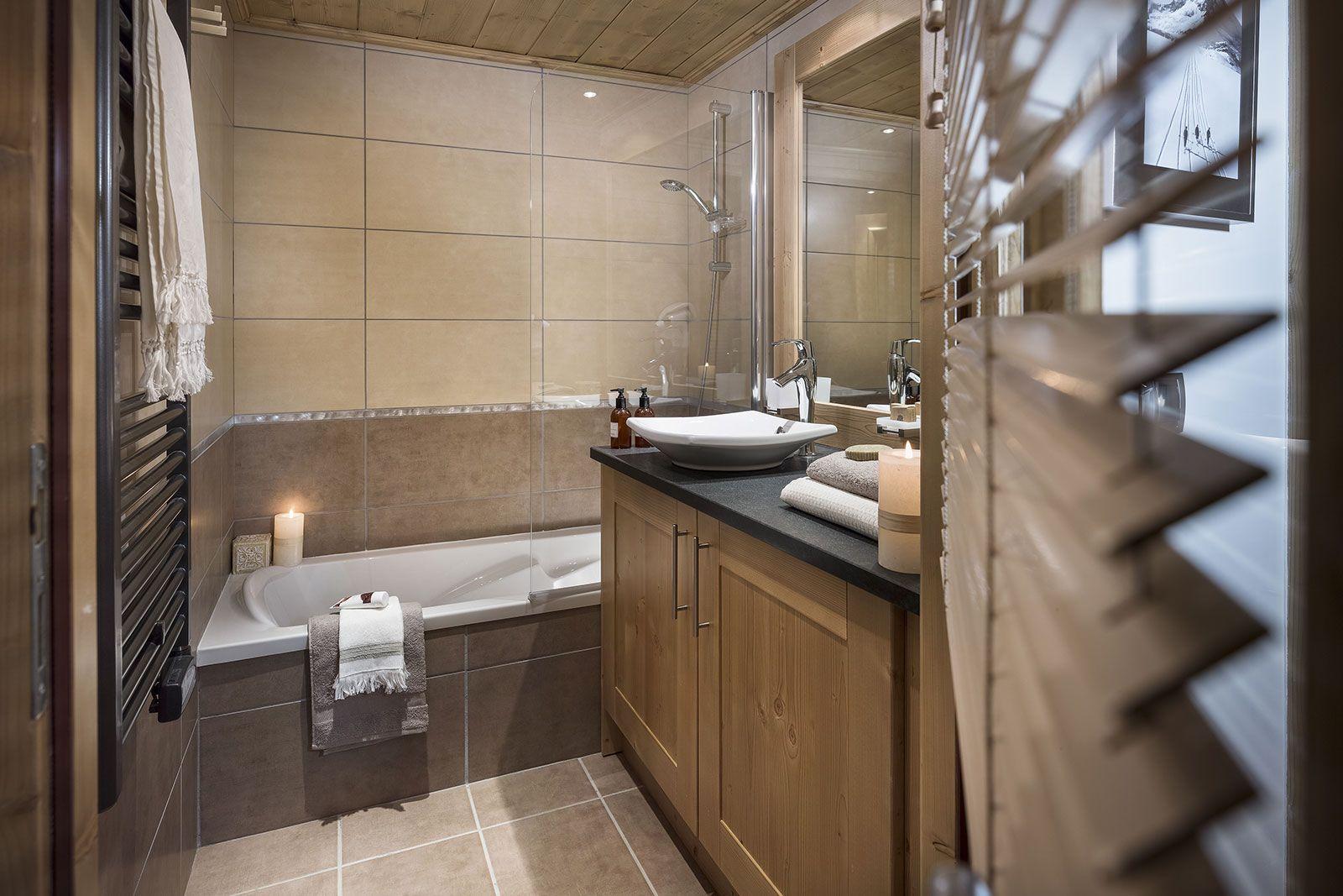Ambiance salle de bains - Chalets Séléna - Les Gets