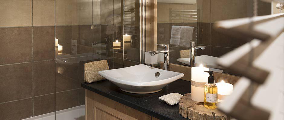 La salle de bain de l'appartement - Résidence Léana aux Carroz d'Arâches