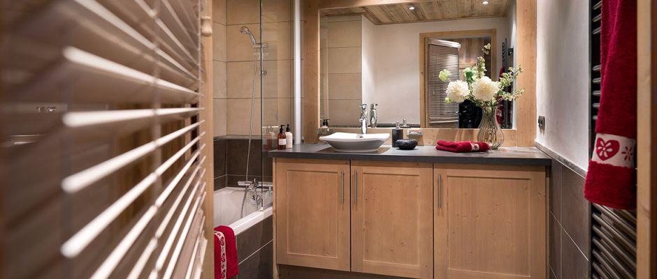 La salle de bain de l'appartement - La Perle des Alpese aux Saisies