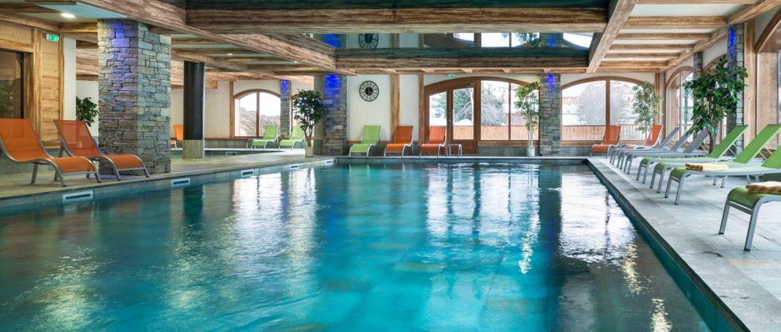 La piscine de la résidence - Les Chalets de Laÿssia à Samoëns