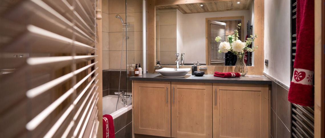 La salle de bain de l'appartement - La Perle des Alpes aux Saisies
