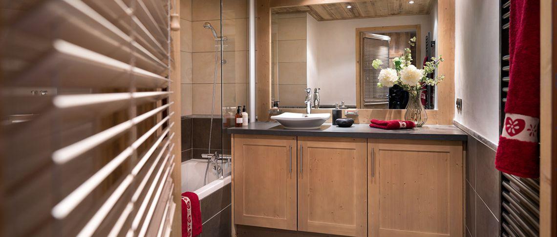La salle de bain de l'appartement - Les Chalets de Laÿssia à Samoëns