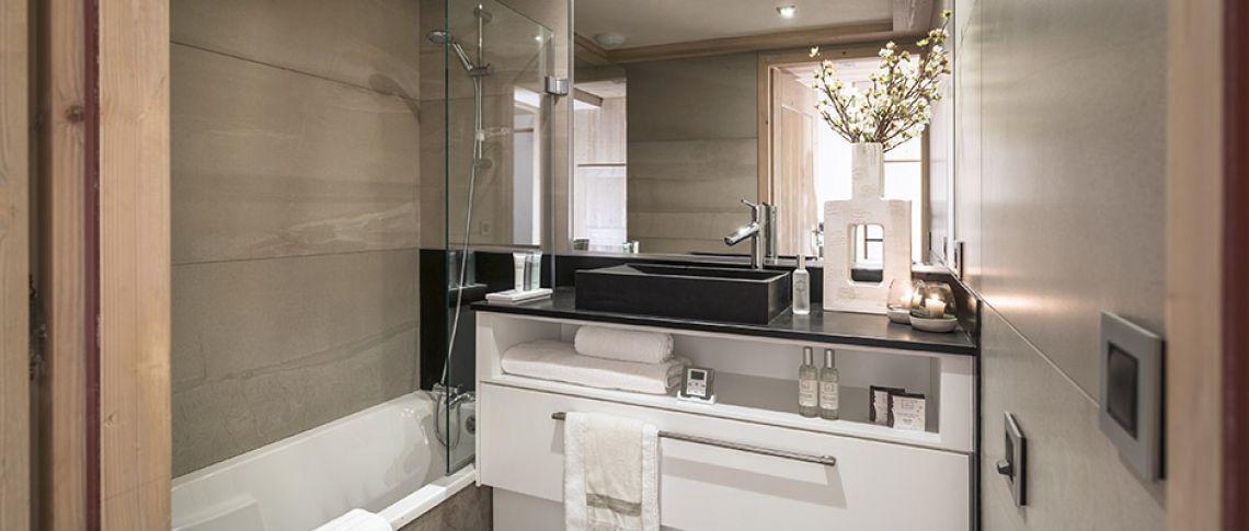 La salle de bain de l'appartement - Résidence Alexane à Samoëns